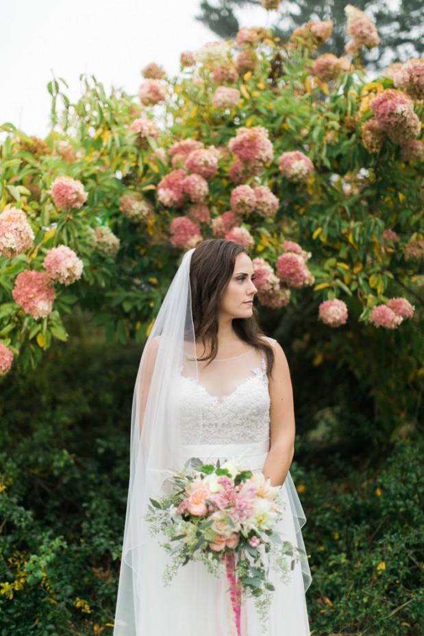 newagen-seaside-inn-wedding-photos-maine-venues-blush-pink-glam-ideas-Jenn_Ethan-hello-love-photography-4