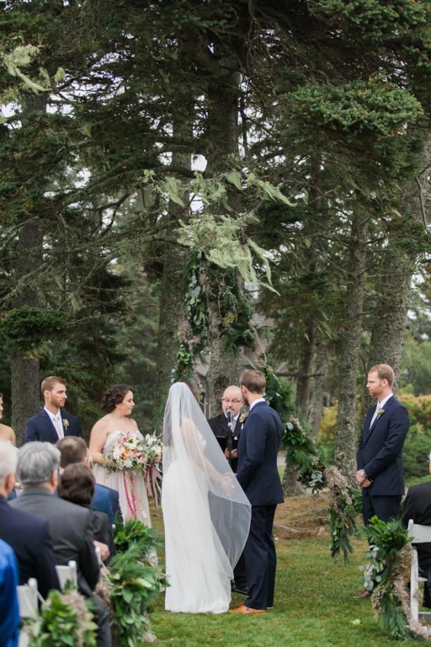 newagen-seaside-inn-wedding-photos-maine-venues-blush-pink-glam-ideas-Jenn_Ethan-hello-love-photography-6