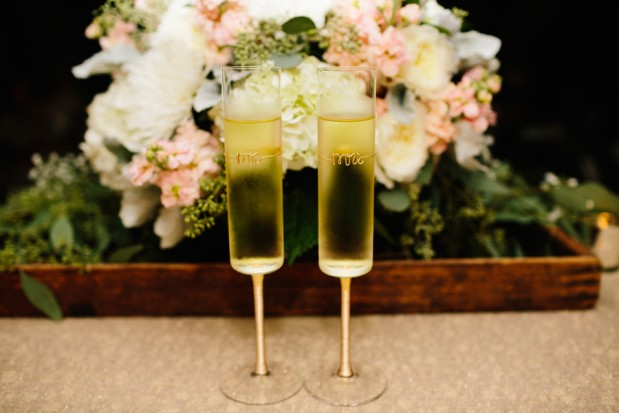 rustic-glam-vintage-wedding-ideas-25