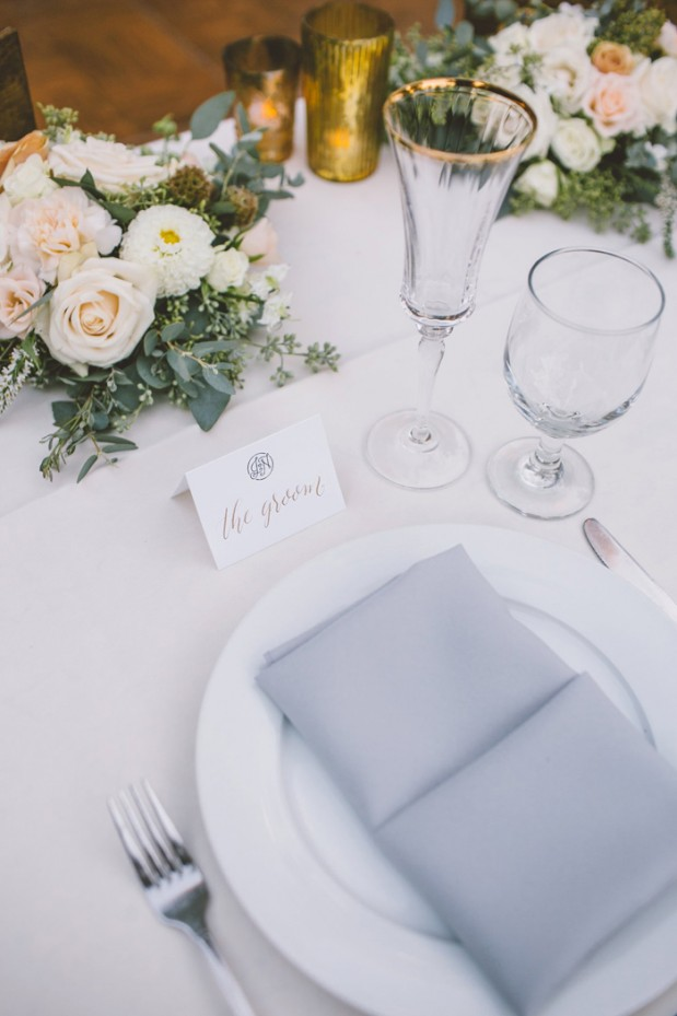 hartley-botanica-rustic-romance-grey-wedding-by-Anna-Delores_16