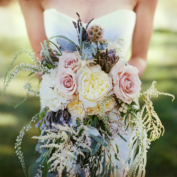 iowa-estate-wedding-antique-details-decor_0012