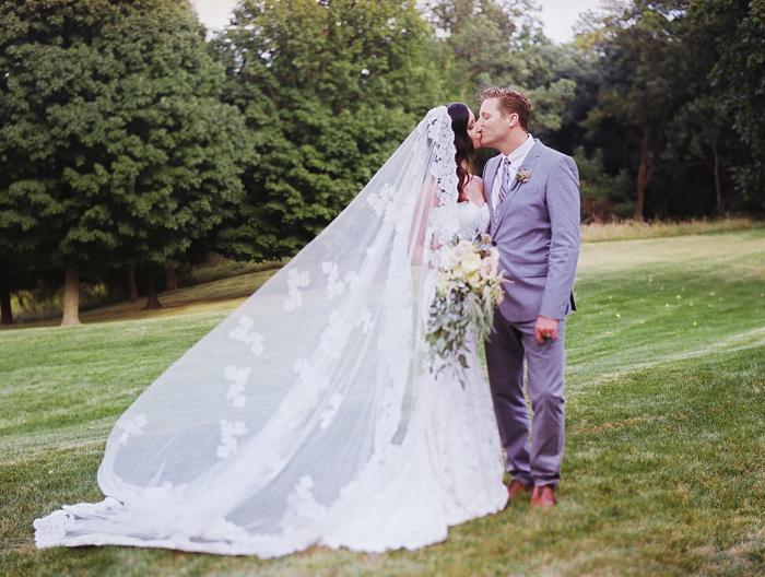 iowa-estate-wedding-antique-details-decor_0028