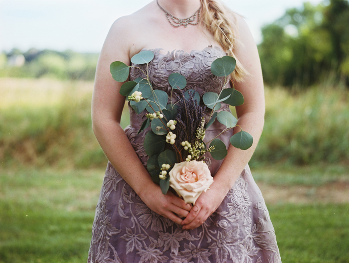 iowa-estate-wedding-antique-details-decor_0030