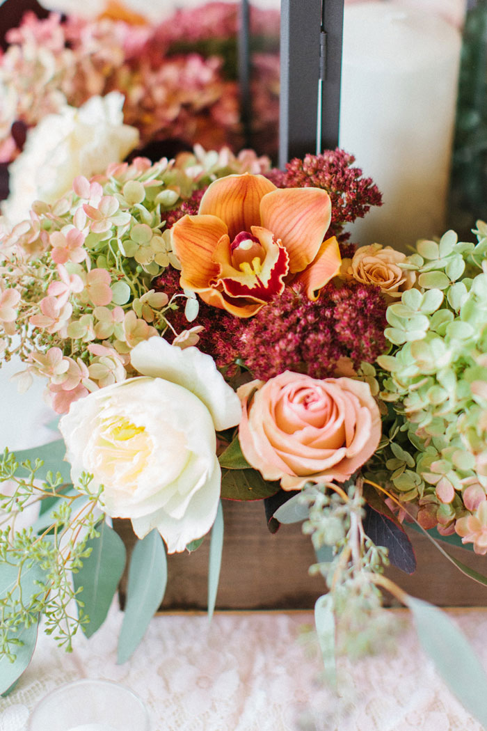 main-east-coast-fall-wedding-decor_21