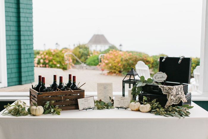main-east-coast-fall-wedding-decor_25