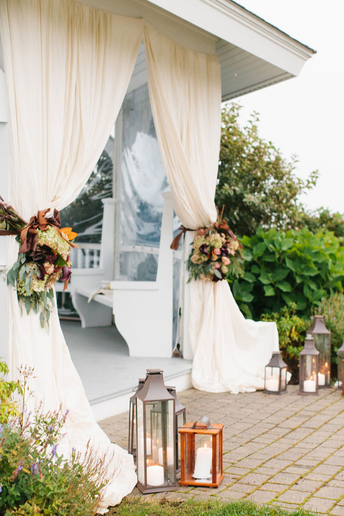 main-east-coast-fall-wedding-decor_27