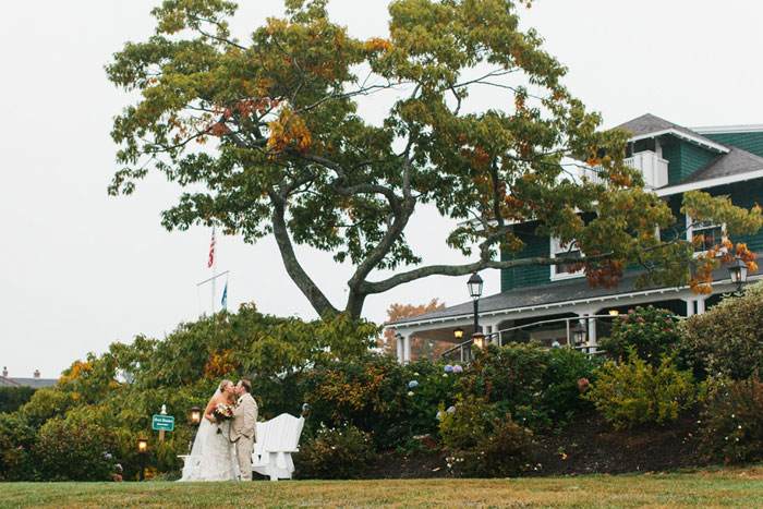 main-east-coast-fall-wedding-decor_34