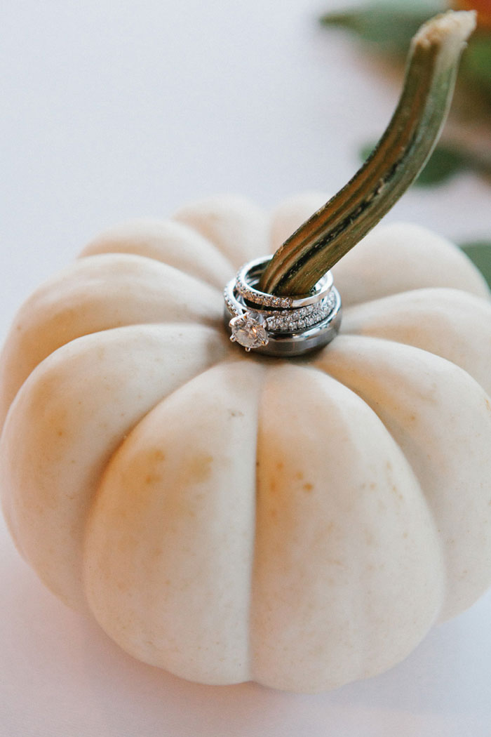 main-east-coast-fall-wedding-decor_37
