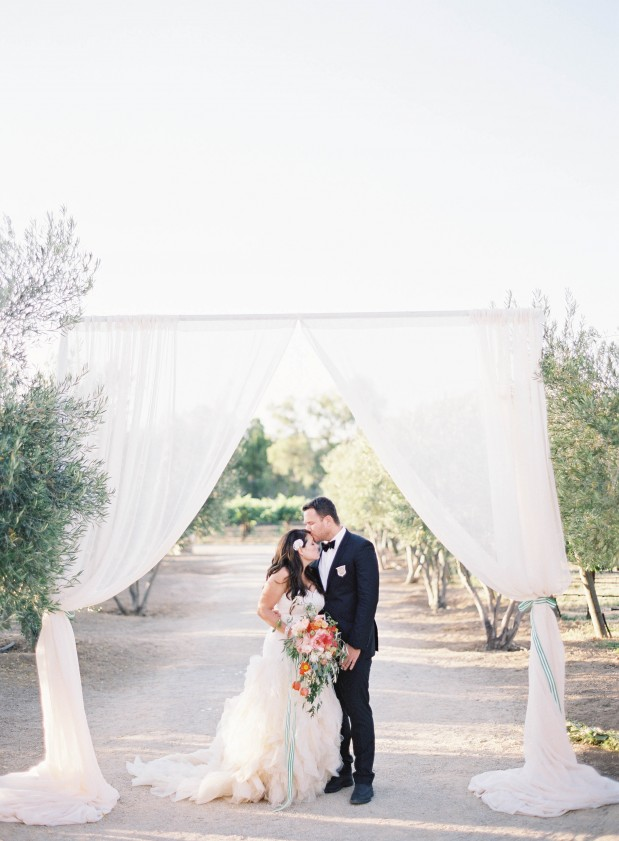 summer-bryan-grey-likes-blogger-sunstone-winery-wedding-santa-ynez-green-coral-6