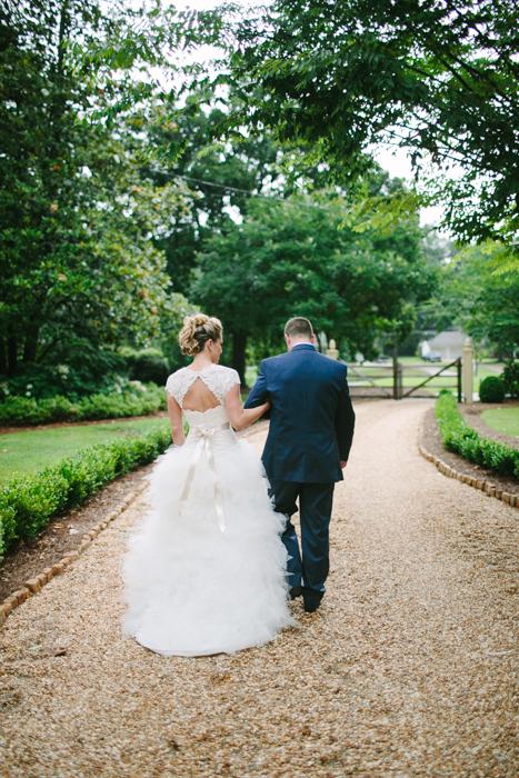 vinewood-plantation-georgia-barn-rustic-vintage-glam-wedding-13