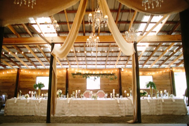 vinewood-plantation-georgia-barn-rustic-vintage-glam-wedding-15