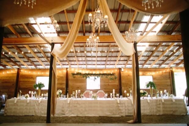 vinewood-plantation-georgia-barn-rustic-vintage-glam-wedding-15