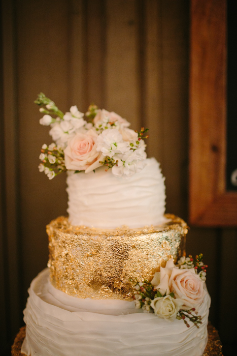 vinewood-plantation-georgia-barn-rustic-vintage-glam-wedding-19