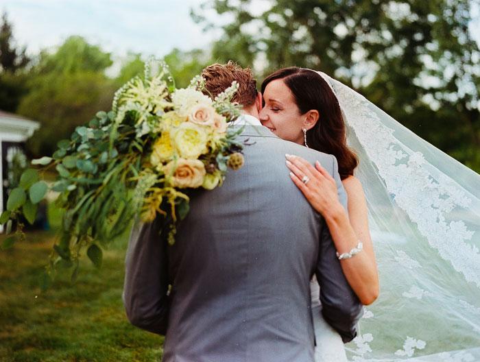 iowa-estate-wedding-antique-details-decor_0040