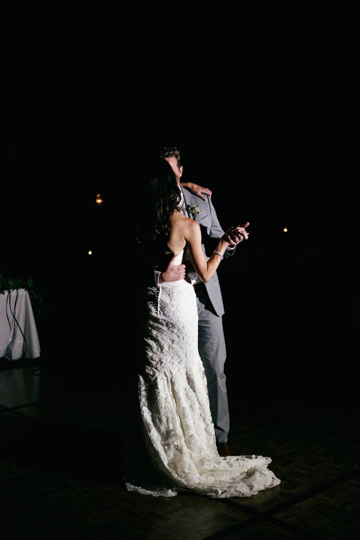 iowa-estate-wedding-antique-details-decor_0042