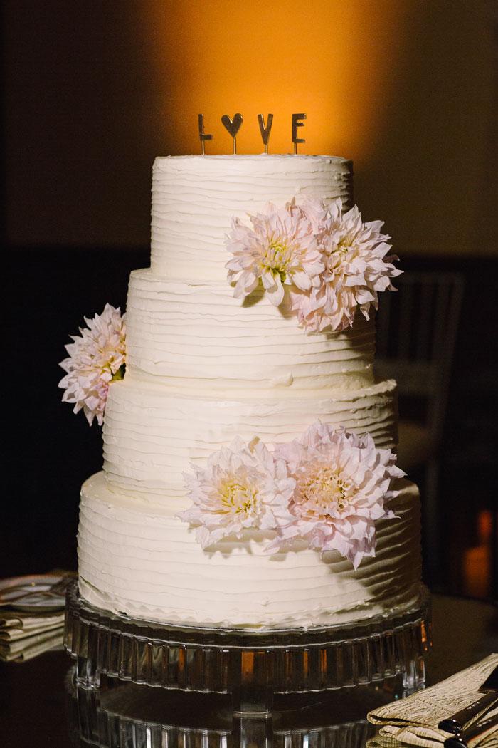 ojai-valley-glam-wedding-gentlemans-decor-inspiration0039