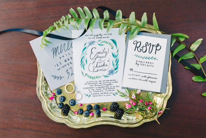 homegrown-berry-summer-wedding-style-decor0003