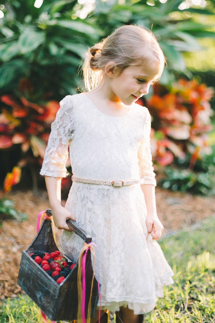 homegrown-berry-summer-wedding-style-decor0025