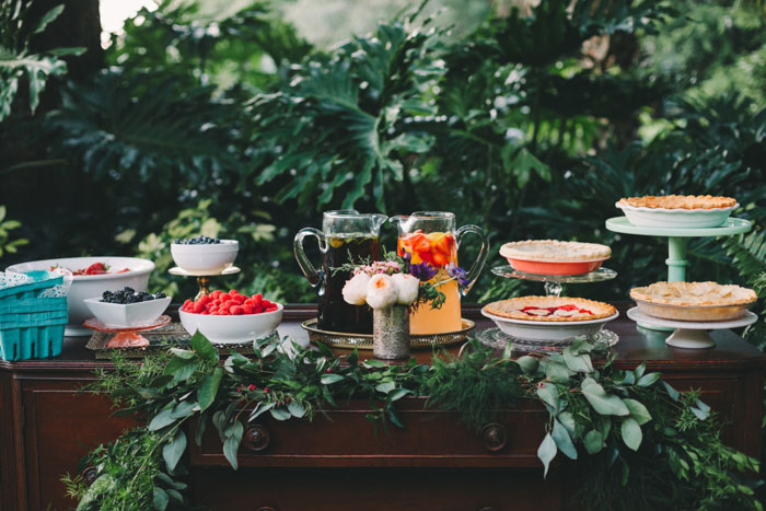 homegrown-berry-summer-wedding-style-decor0037