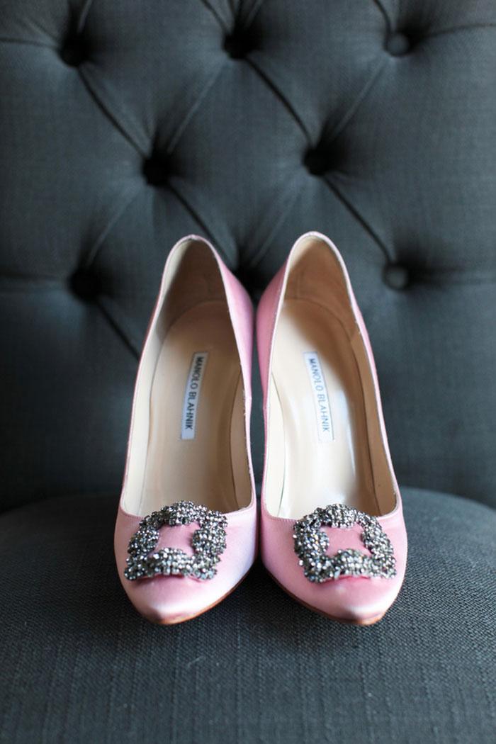 nashville-vintage-mordern-wedding-ideas-decor-pink-manolo-blahnik_0002