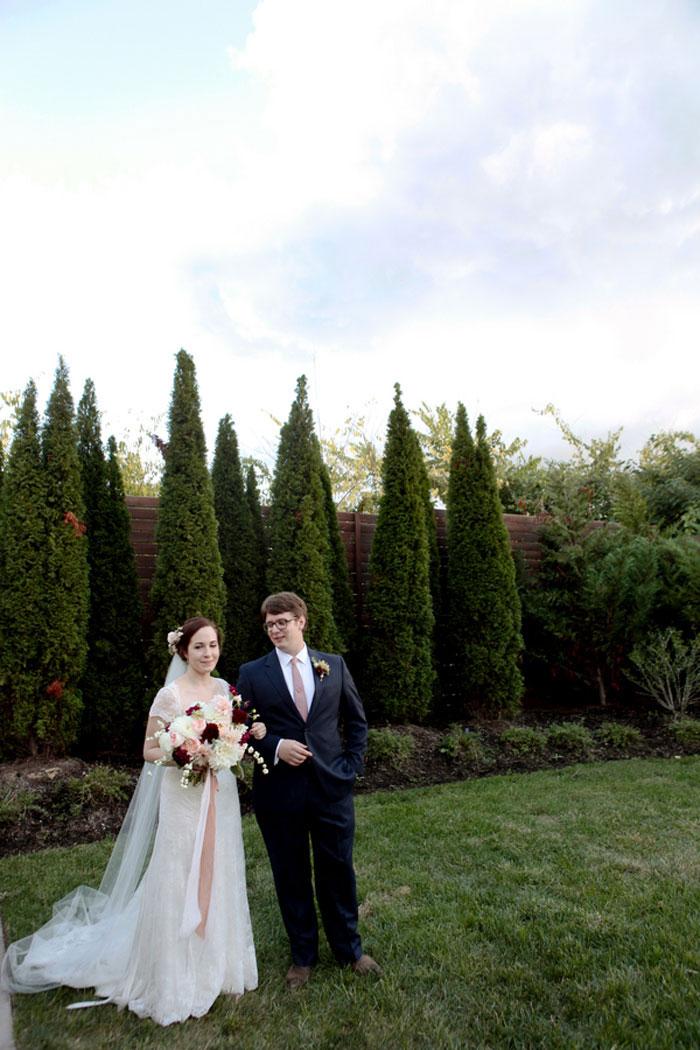nashville-vintage-mordern-wedding-ideas-decor-pink-manolo-blahnik_0011