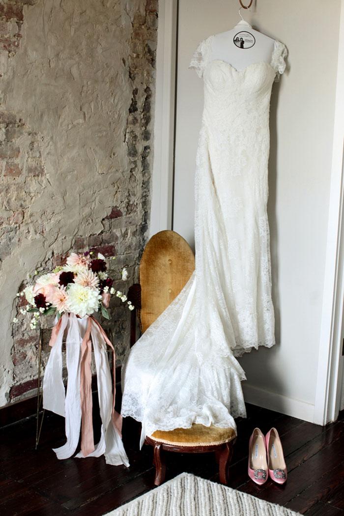 nashville-vintage-mordern-wedding-ideas-decor-pink-manolo-blahnik_0018