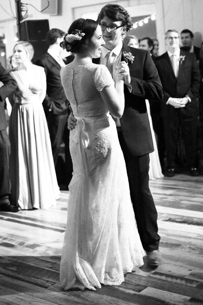 nashville-vintage-mordern-wedding-ideas-decor-pink-manolo-blahnik_0022