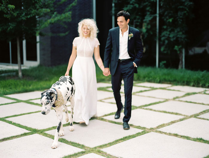 contemporary-wedding-dog-decor-ideas21