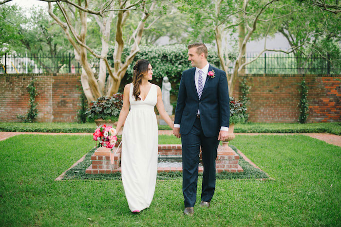 gingham-inspired-preppy-wedding-decor-ideas12