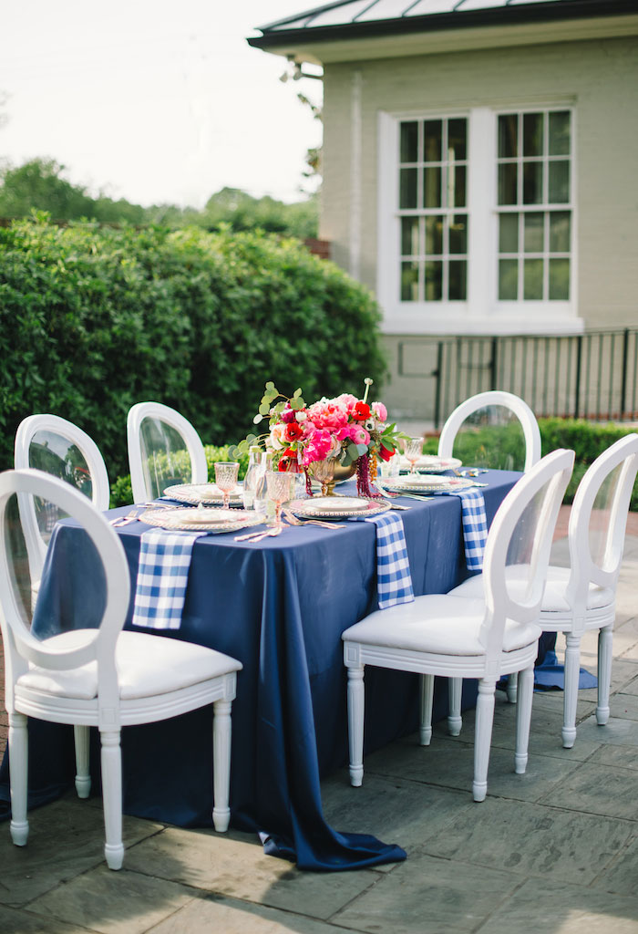 gingham-inspired-preppy-wedding-decor-ideas13