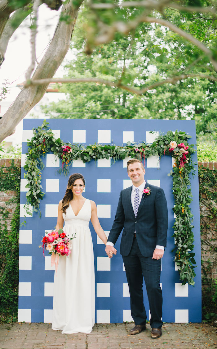 gingham-inspired-preppy-wedding-decor-ideas14