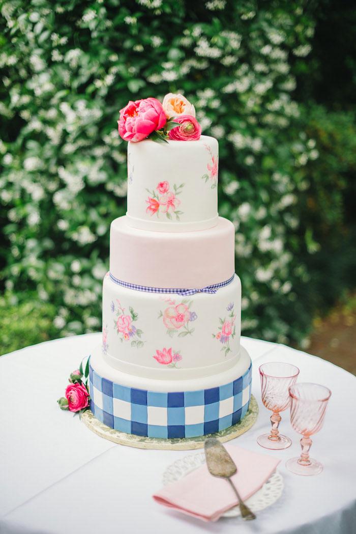 gingham-inspired-preppy-wedding-decor-ideas22