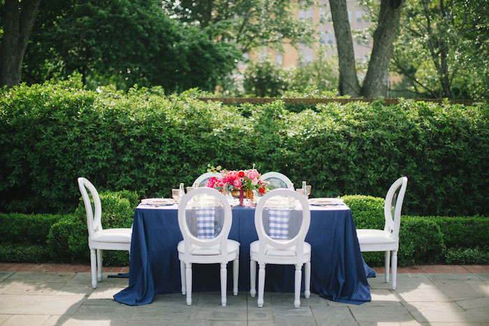 gingham-inspired-preppy-wedding-decor-ideas23