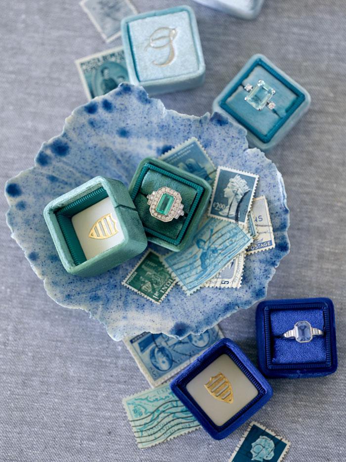 the-mrs-box-color-ring-box-velvet-monogram04