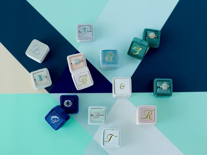 the-mrs-box-color-ring-box-velvet-monogram12