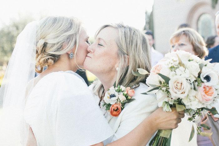 bright-romantic-poppy-wedding-california06