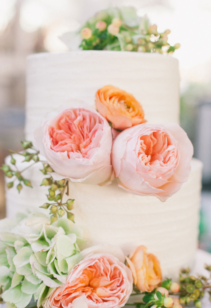 bright-romantic-poppy-wedding-california22