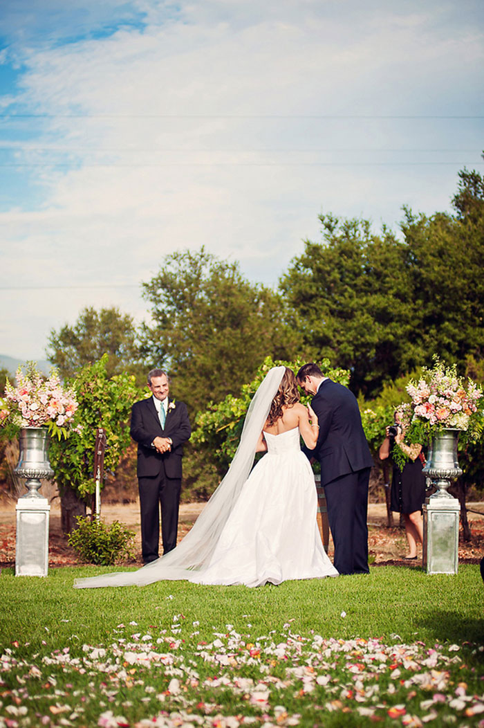 california-vineyard-wedding-inspiration-26