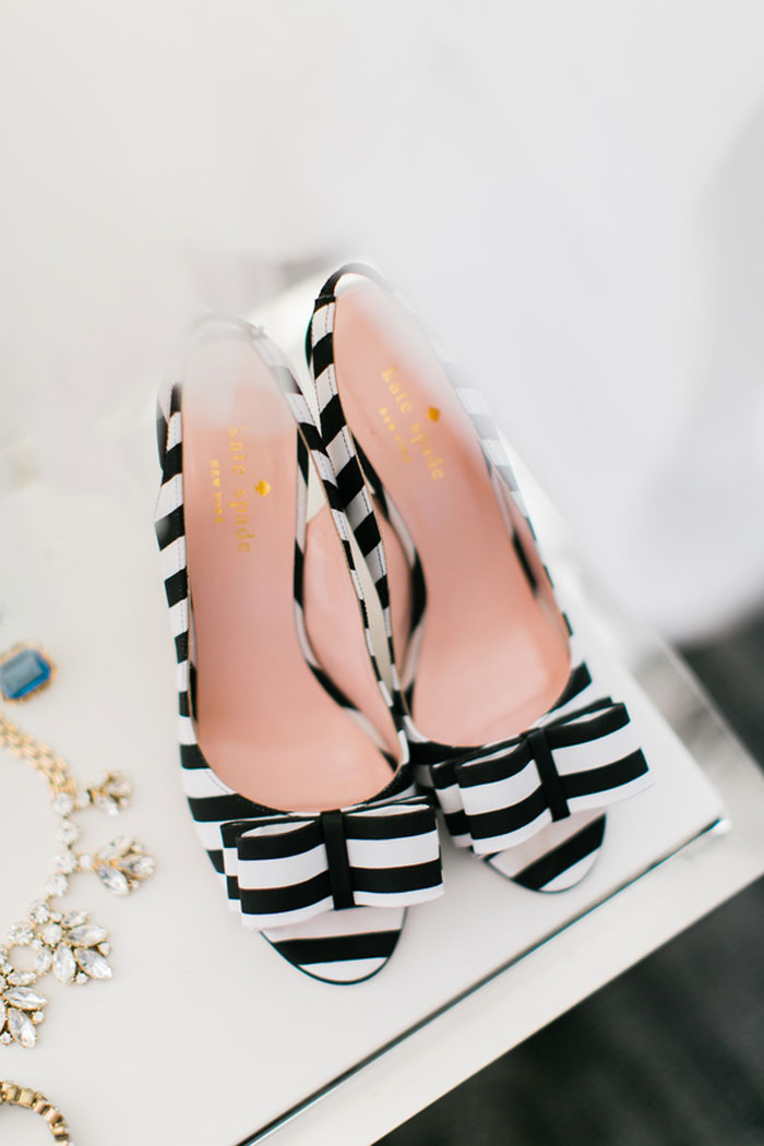 chicago-classic-stripe-wedding-inspiration-00