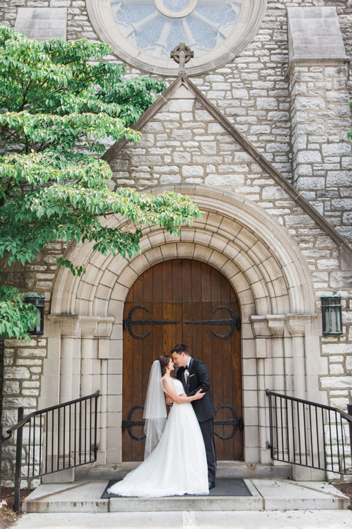 Rosie and mike 39 s st louis wedding best wedding blog for Wedding dress shops st louis mo