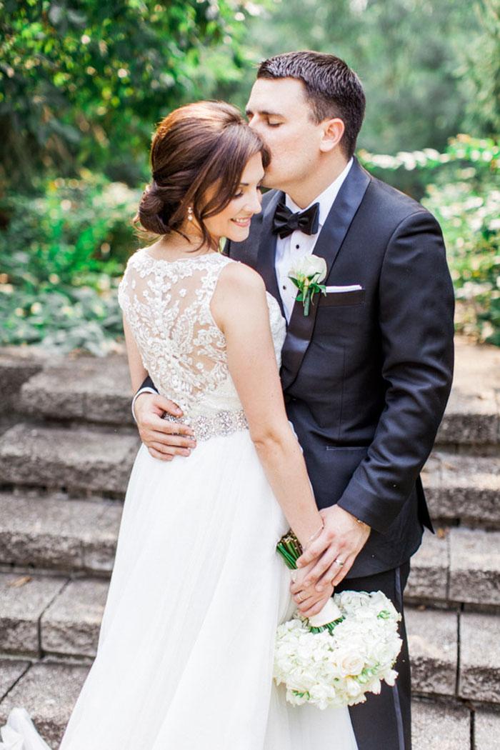 classic-romatic-saint-louis-wedding-lace-16