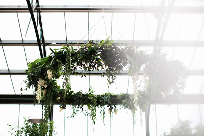 conservatory-wedding-michigan-lush-floral-00
