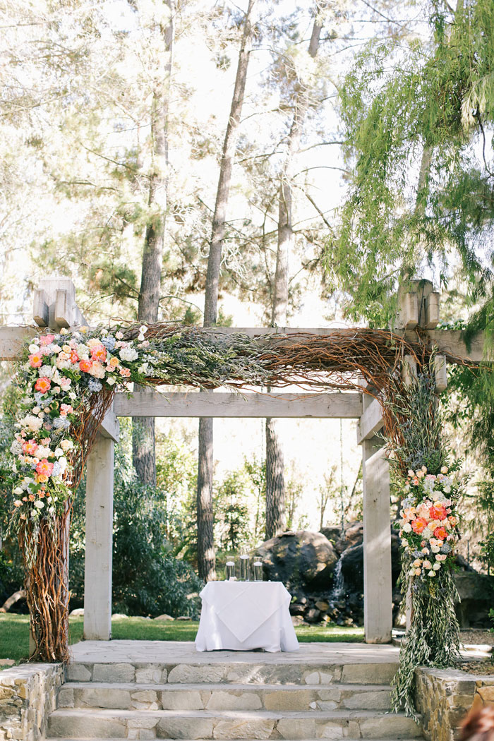 malibu-ranch-wedding-floral-decor-inspiration-33