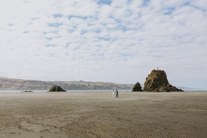 new-zealand-beach-engagment-photography16