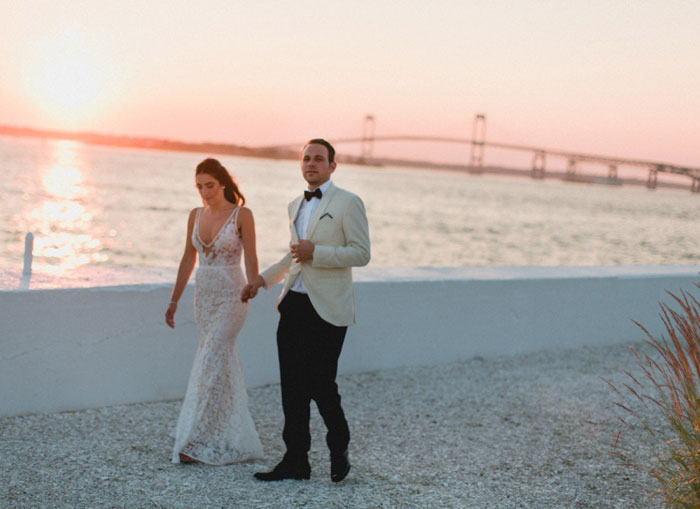 newport-glam-beach-wedding-29