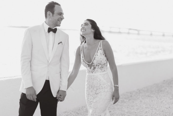 newport-glam-beach-wedding-44