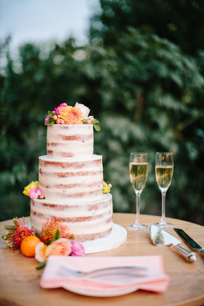 campovida-pink-florals-vineyard-wedding-inspiration-00