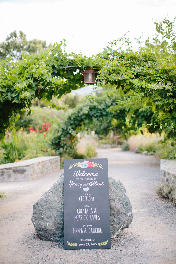 campovida-pink-florals-vineyard-wedding-inspiration-20