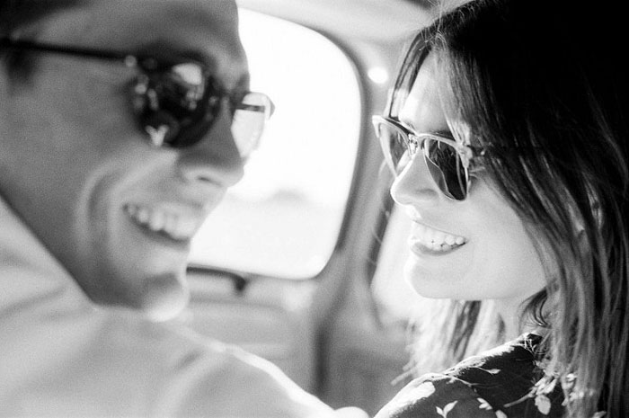 road-trip-engagment-session-vw-beetle-03