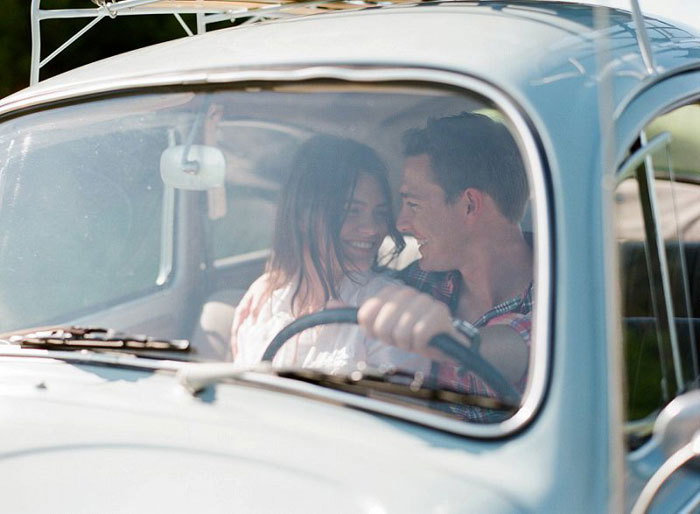 road-trip-engagment-session-vw-beetle-05